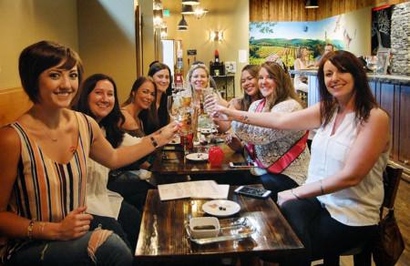 Wine Club Tasting Room in Hood River, OR